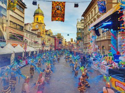 Špažićari predstavili masku Costa Arena na 36. Međunarodnoj karnevalskoj povorci