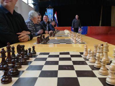 Održana 2. memorijalna šahovska simultanka u spomen na Milana Balena